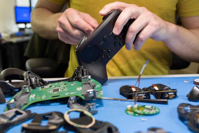 Valve показала последнюю версию Steam-контроллера. Изображение № 2.