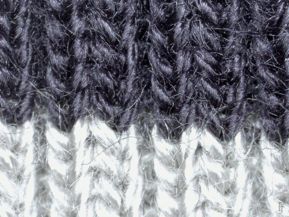 Фотоувеличение: Осенние куртки под промышленным микроскопом. Изображение № 25.