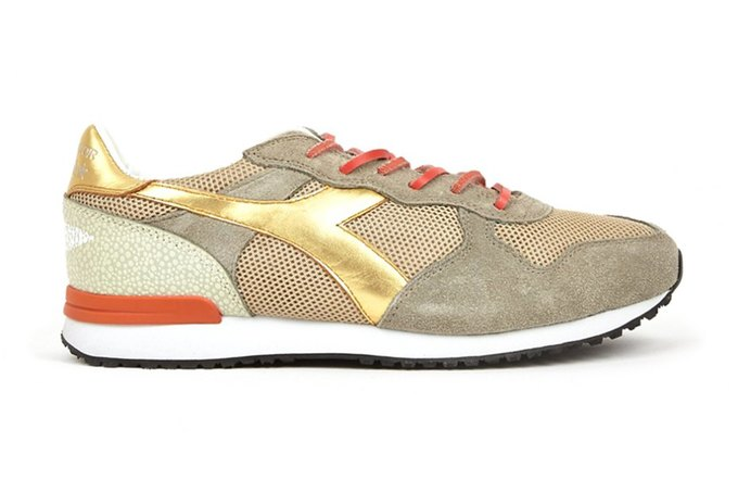 Итальянские марки Diadora и The Editor выпустили совместную коллекцию кроссовок. Изображение № 2.