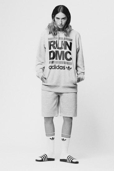 Марка Adidas Originals и хип-хоп-коллектив Run-D.M.C. выпустили совместную коллекцию одежды. Изображение № 7.