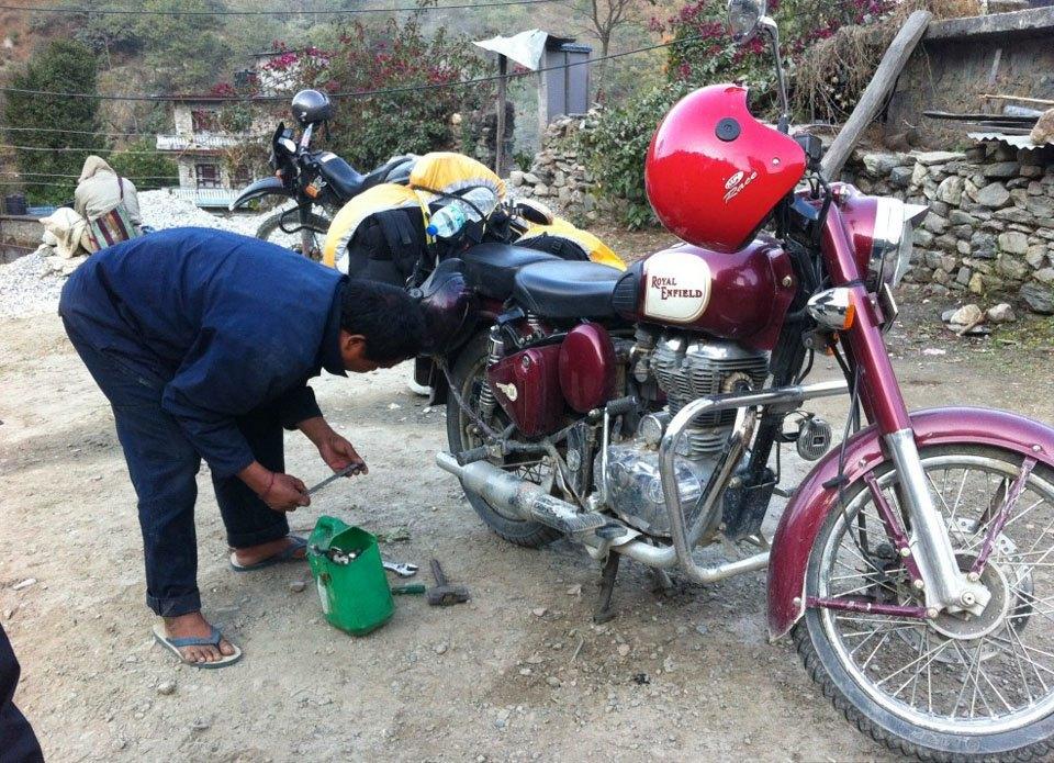 «Нет ничего лучше гор, мотоцикла и бесконечной дороги под ним»: Путешествие по Азии на двух колёсах. Изображение № 18.