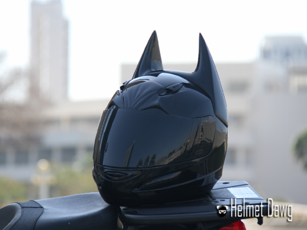 Компания Helmet Dawg спроектировала мотошлем по мотивам «Бэтмена». Изображение № 9.