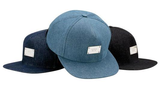 Уличная одежда Supreme: весенне-летний лукбук, кепки, рюкзаки и аксессуары. Изображение № 33.
