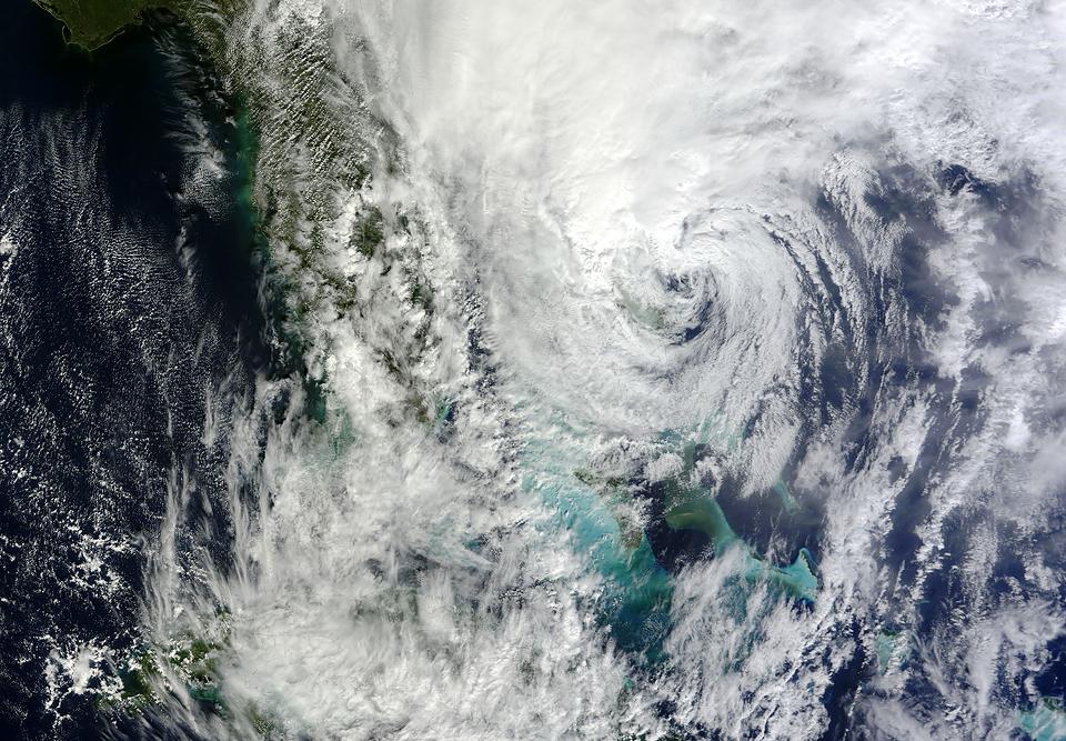 Фотографии урагана Сэнди, вид из космоса. Изображение № 2.