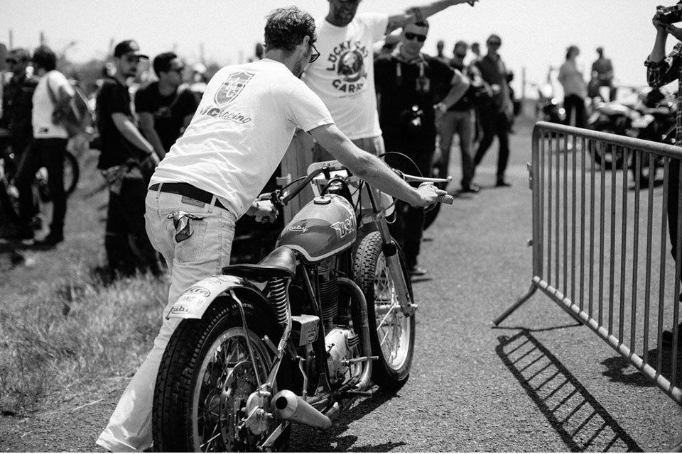 Фоторепортаж с мотоциклетного фестиваля Wheels & Waves. Изображение № 10.