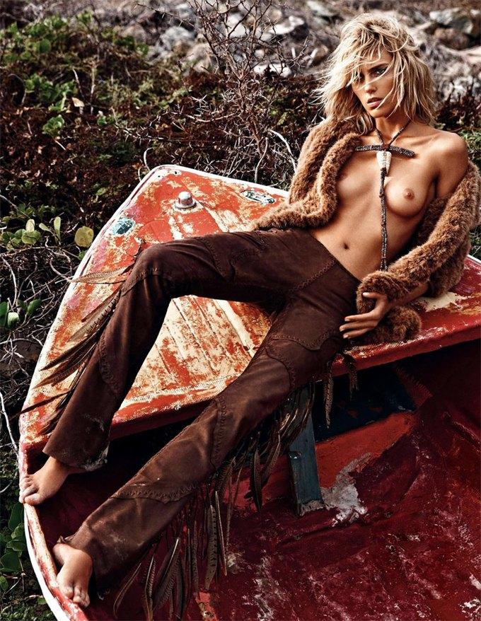 Модели Аня Рубик и Андреа Дьякони снялись обнаженными у фотографа Марио Сорренти. Изображение № 9.