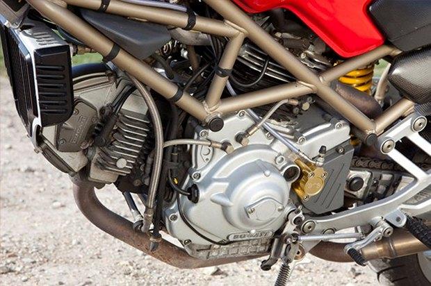 Современная классика: Гид по Ducati Monster как одному из лучших дорожных мотоциклов. Изображение № 4.