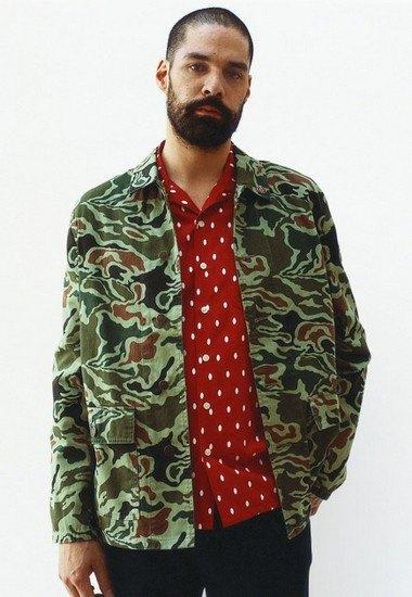 Марка Supreme выпустила лукбук весенней коллекции одежды. Изображение № 8.