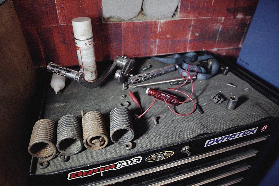 Болгарка, молоток и сварка: Интервью с  Глебом Чёрным, владельцем кастом-ателье мотоциклов . Изображение № 18.