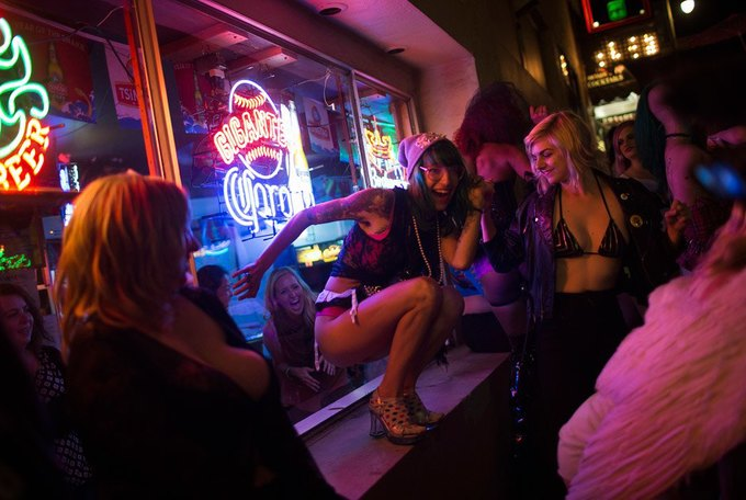 В Сан-Франциско закрылся легендарный стрип-клуб Lusty Lady. Изображение № 10.