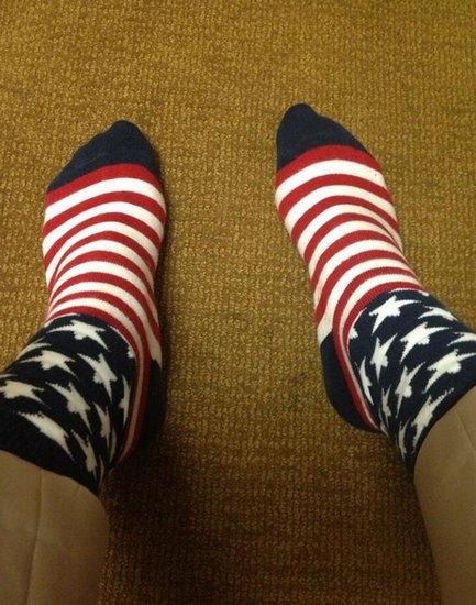 Американцы поздравили бывшего президента цветными носками. Изображение № 21.