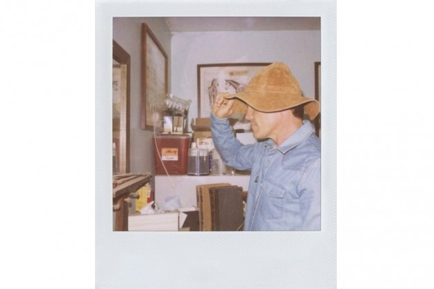 Джош Бролин снялся в новом лукбуке марки Band of Outsiders. Изображение № 13.