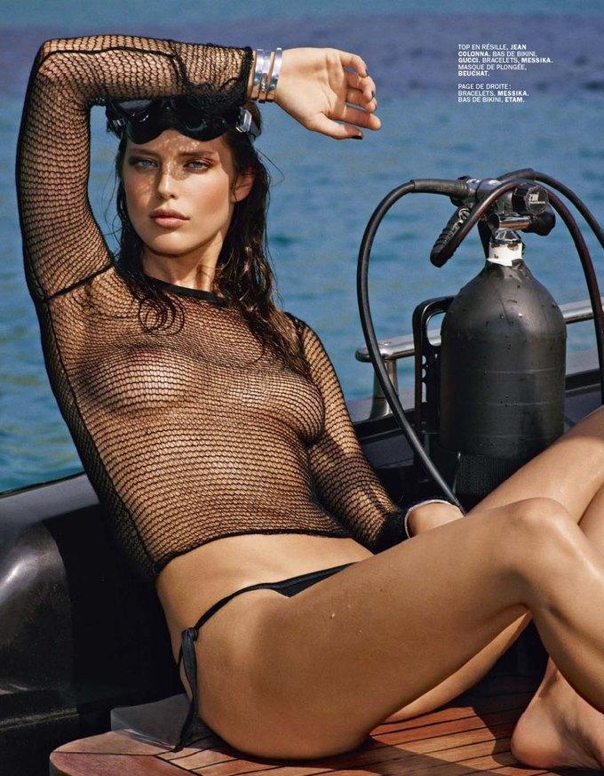 Американская модель Эмили Ди Донато снялась у Марка Сегала для июльского номера Lui Magazine. Изображение № 4.