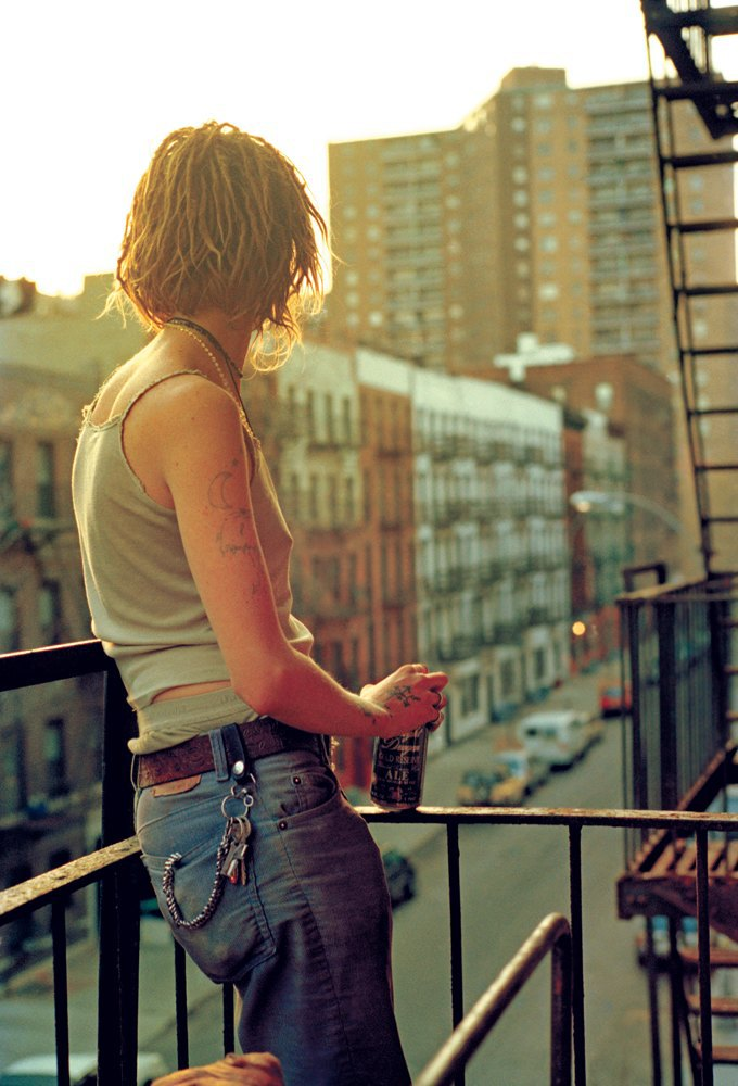 Жизнь нью-йоркских сквотеров в фотопроекте Эш Тэйер. Изображение № 13.