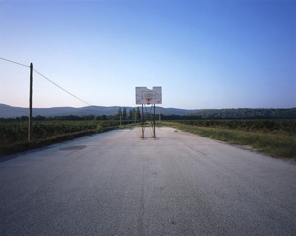 Фотограф Крис Таббс 10 лет снимает баскетбольные кольца по всему миру. Изображение № 8.