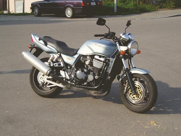 Kawasaki ZRX400/1200. Изображение № 17.