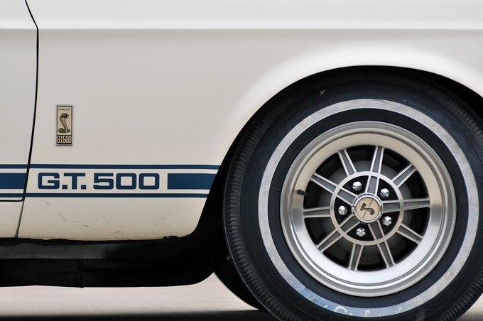 В США на аукционе продали самый дорогой Ford Mustang. Изображение № 14.