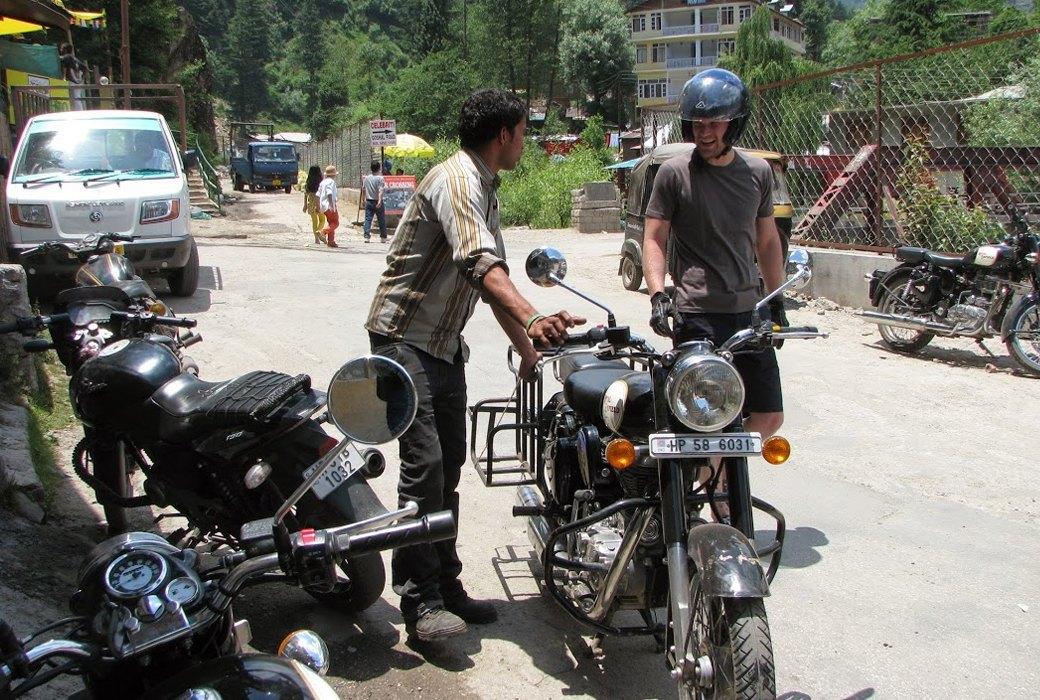 «Я думал, что умер и попал в рай»: Как я поднялся в Гималаи на мотоцикле. Изображение № 3.