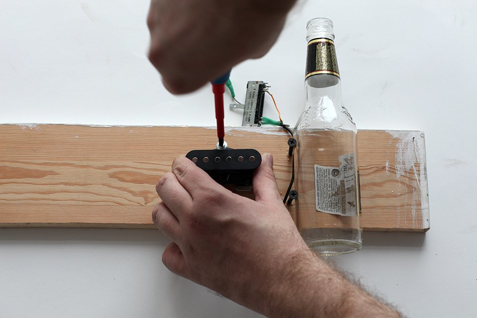 Как изготовить примитивную гитару диддли-бо в домашних условиях. Изображение № 6.