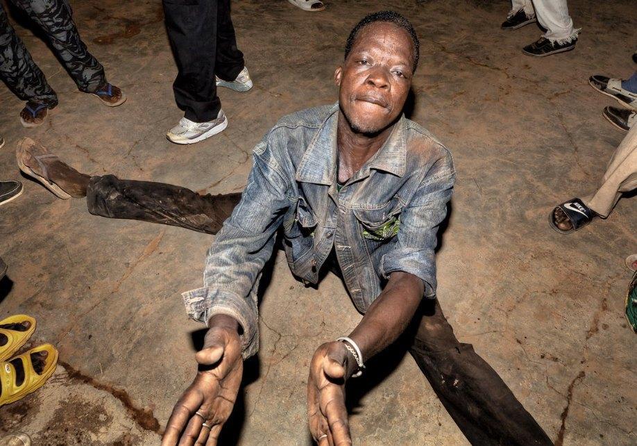 Мы хотим танцевать: Как выглядит сельская дискотека в Африке. Изображение № 8.