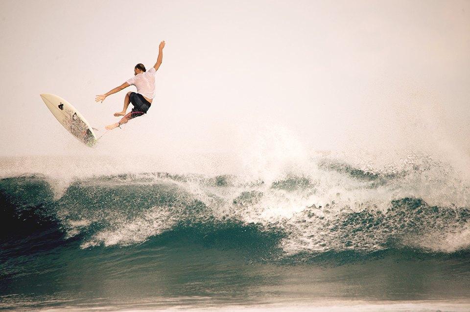 Russia Goes Surfing: Репортаж из серферского лагеря на Мальдивах. Изображение № 13.