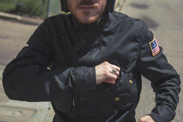 Марка Vanson представила куртку в коллаборации с Iron & Resin. Изображение № 3.