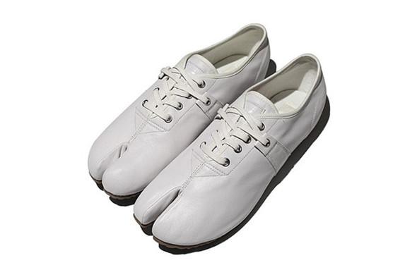 10 самых спорных моделей кроссовок 2011 года. Изображение № 33.