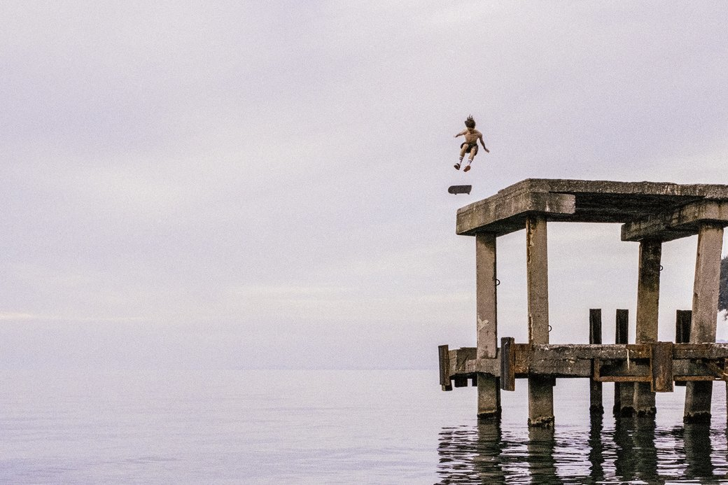 «Когда земля кажется лёгкой»: Грузинские скейтеры в фотографиях Давида Месхи. Изображение № 1.