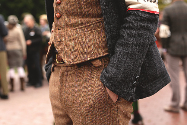 Детали: Репортаж с велозаезда Tweed Ride Moscow. Изображение №27.