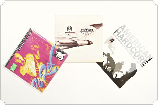 Пластинки покупаю все реже и реже, зато более избирательно, нежели раньше. Недавно получил в подарок от папы винил «Морская» группы «Мумий Тролль». Еще у меня есть коллекционное издание «Pay to Cum» группы Bad Brains на оранжевой сорокопятке.. Изображение № 7.