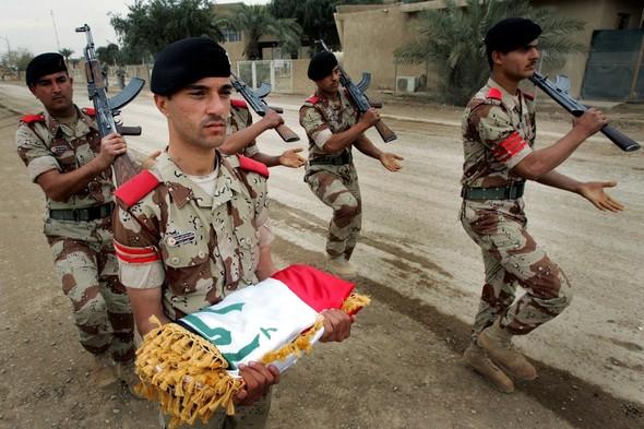 Военное положение: Одежда и аксессуары солдат в Ираке. Изображение № 65.