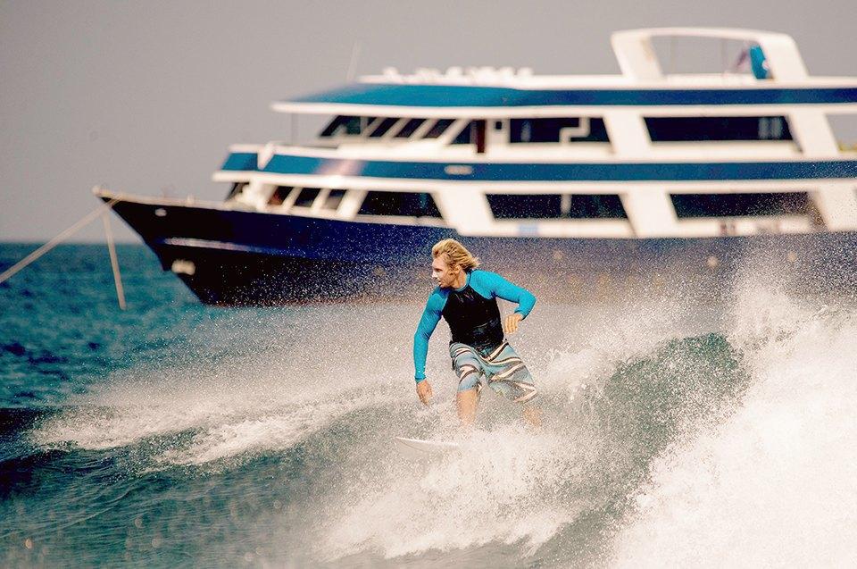 Russia Goes Surfing: Репортаж из серферского лагеря на Мальдивах. Изображение № 20.