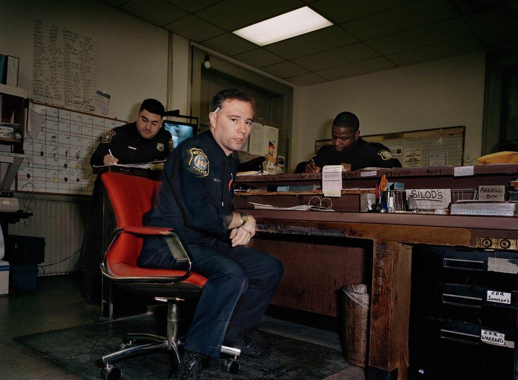 Несколько дней из жизни обычных американских полицейских. Изображение № 14.