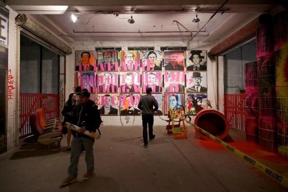 Выставка работ уличного художника Mr. Brainwash. Изображение № 9.