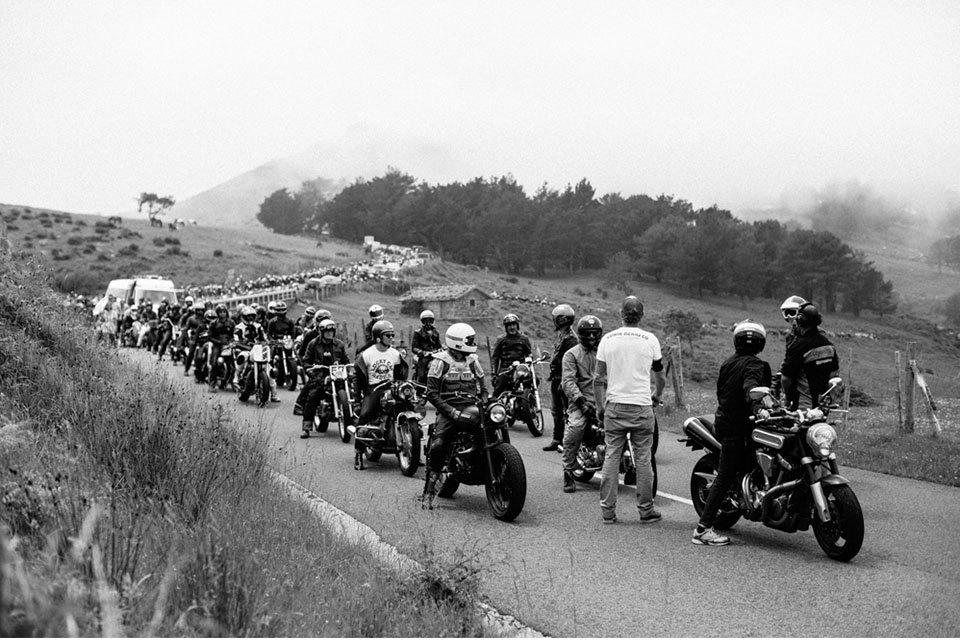 Фоторепортаж с мотоциклетного фестиваля Wheels & Waves. Изображение № 20.