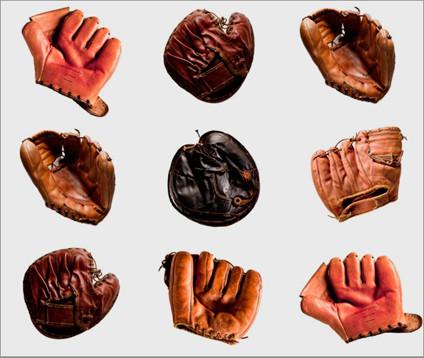 Марка Coach сделала коллекцию кошельков из винтажных бейсбольных перчаток. Изображение № 1.