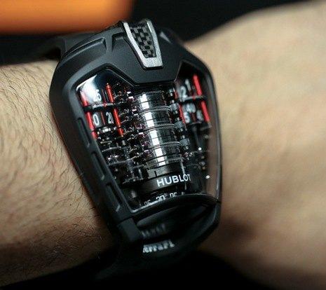 Швейцарская компания представила часы с рекордным запасом хода. Изображение № 4.