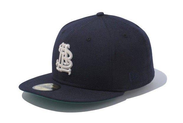 Марка New Era представила совместную с другими брендами коллекцию кепок. Изображение № 17.