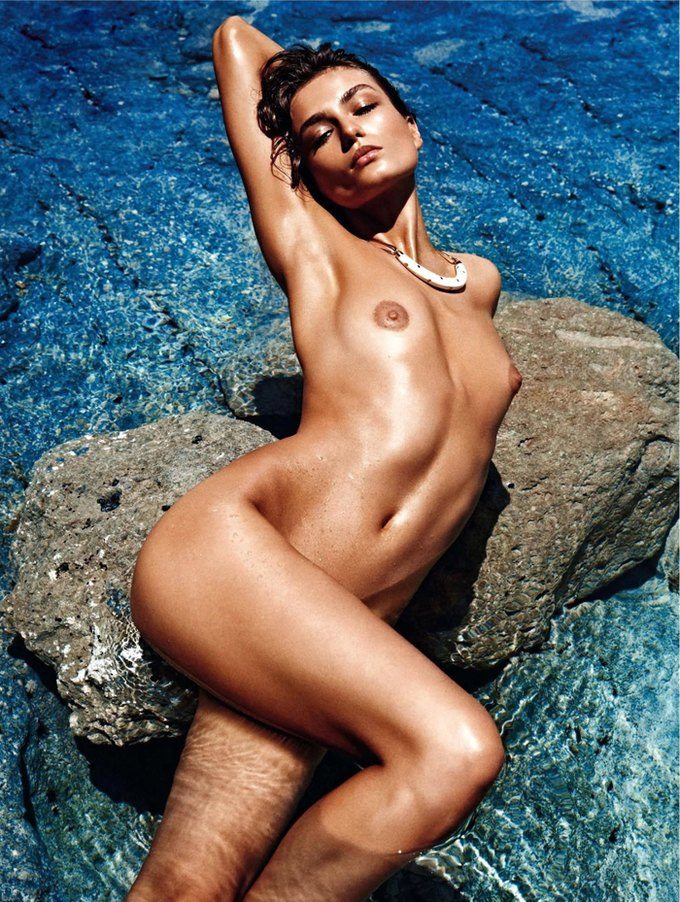 Модели Аня Рубик и Андреа Дьякони снялись обнаженными у фотографа Марио Сорренти. Изображение № 4.