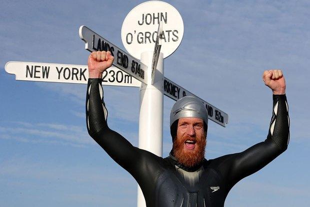 Английский пловец в одиночку обогнул Великобританию, защищаясь от медуз бородой. Изображение № 1.