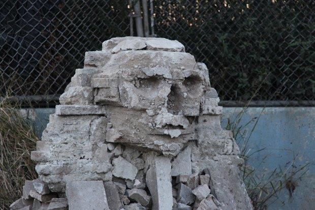 Бэнкси построил в Нью-Йорке копию египетского Сфинкса. Изображение № 2.