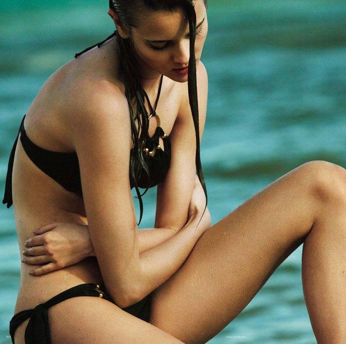 Польская модель Моника Ягачак снялась в эротической фотосессии. Изображение № 4.