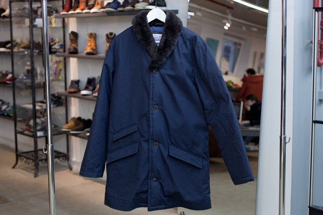 5 красивых продавщиц в магазинах одежды выбирают вещи для парня мечты. Изображение № 26.