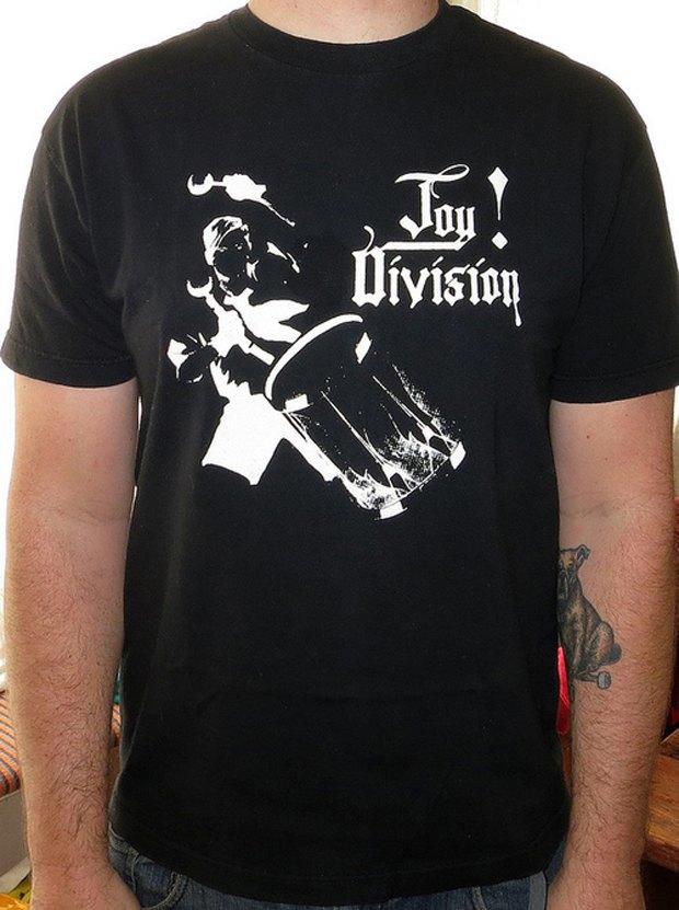 Minor Thread: Тысячедневный марафон футболок с логотипами музыкантов. Изображение № 2.