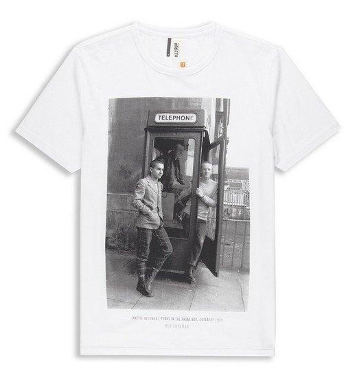 Марка Ben Sherman и музыкальный фотограф Джанет Бекман выпустили совместную коллекцию футболок. Изображение № 7.