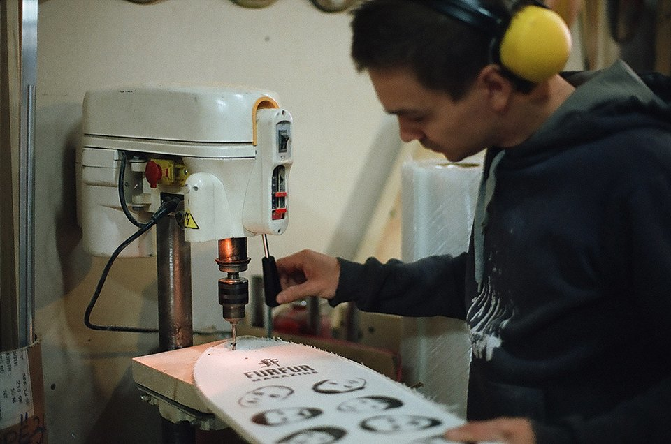 FURFUR х Pepper Customs: Как выглядит процесс создания лонгборда. Изображение № 25.