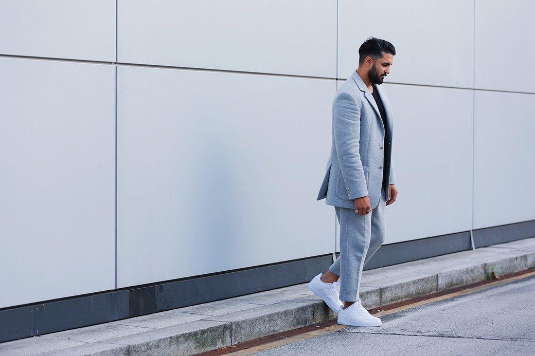Флисовые брюки Nike превратили в деловой костюм. Изображение № 5.