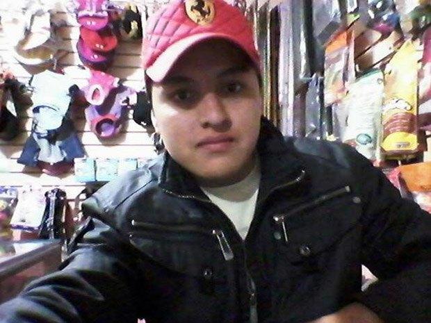 Мексиканец, делавший селфи с пистолетом, случайно застрелился. Изображение № 1.