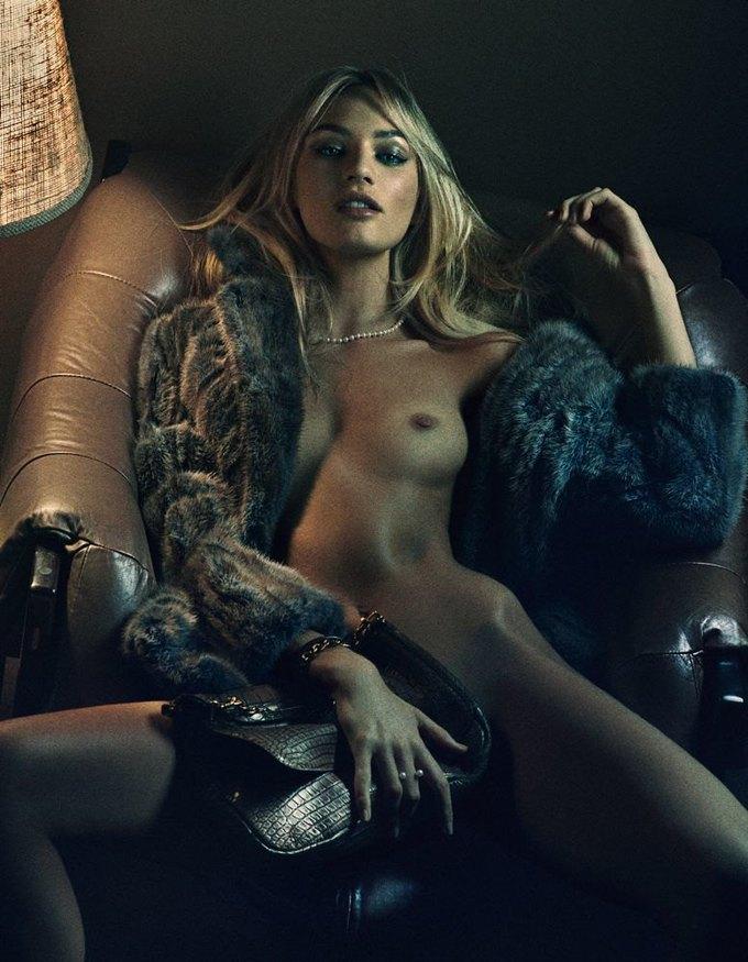 «Ангелы» Victoria's Secret снялись обнажёнными для журнала Interview. Изображение № 2.