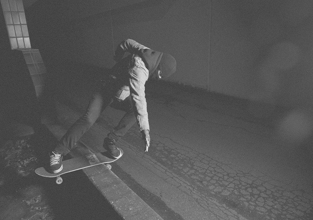 BA.KU.: Фотопроект о загадочной субкультуре канадских скейтеров-металлистов. Изображение № 11.